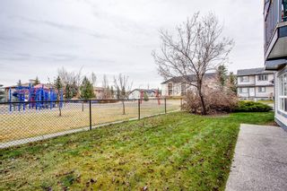 Photo 3: 119 Eversyde Point SW in Calgary: Evergreen Row/Townhouse for sale : MLS®# A1048462