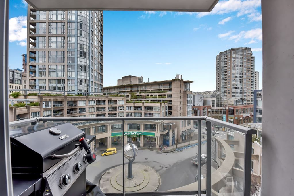 "Main Photo: 805 188 KEEFER Place in Vancouver: Downtown VW Condo for sale in ""ESPANA"" (Vancouver West)  : MLS®# R2556541"