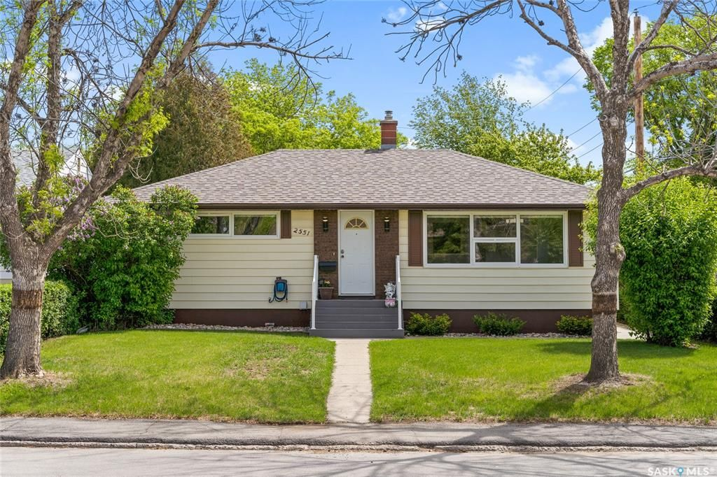 Main Photo: 2551 Rothwell Street in Regina: Dominion Heights RG Residential for sale : MLS®# SK857154