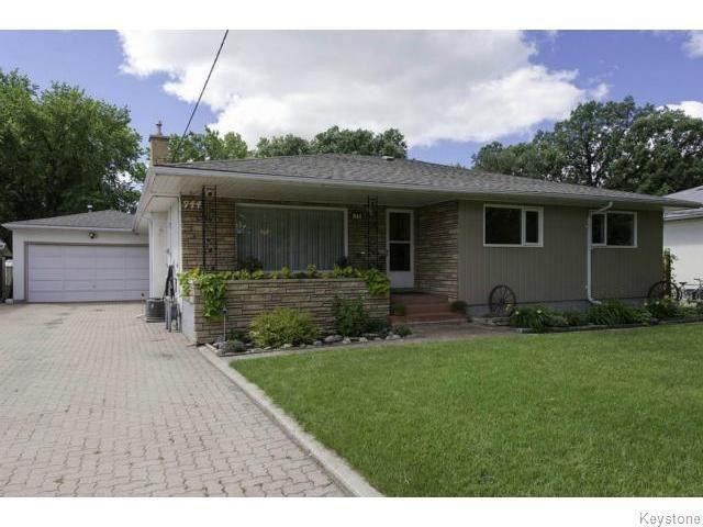 Main Photo: 944 De L'Eglise Avenue in Winnipeg: Single Family Detached for sale (St. Norbert)  : MLS®# 1316893