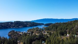 Photo 6: 4695 HOTEL LAKE Road in Garden Bay: Pender Harbour Egmont House for sale (Sunshine Coast)  : MLS®# R2567091