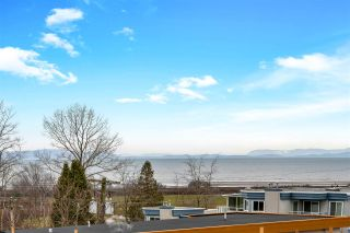 "Photo 2: 843 STAYTE Road: White Rock House for sale in ""East Beach"" (South Surrey White Rock)  : MLS®# R2541264"