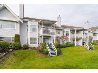 """Photo 19: 805 9139 154 Street in Surrey: Fleetwood Tynehead Townhouse for sale in """"Lexington Square"""" : MLS®# R2431673"""