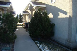 Photo 4: 15 Highlands Place W in Lethbridge: West Highlands Multi-Family for sale : MLS®# A1054611