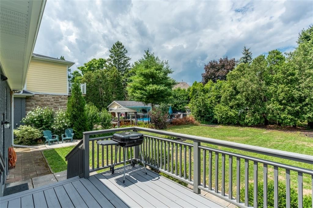 Photo 23: Photos: 2221 COURTLAND Drive in Burlington: Residential for sale : MLS®# H4084353