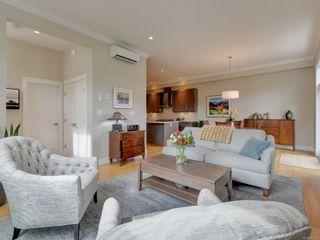 Photo 3: 2051B Seawind Way in Sidney: Si Sidney North-East Half Duplex for sale : MLS®# 874117