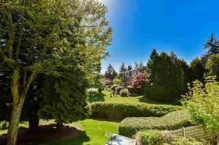 """Photo 31: 203 1705 MARTIN Drive in Surrey: Sunnyside Park Surrey Condo for sale in """"Southwynd"""" (South Surrey White Rock)  : MLS®# R2576884"""
