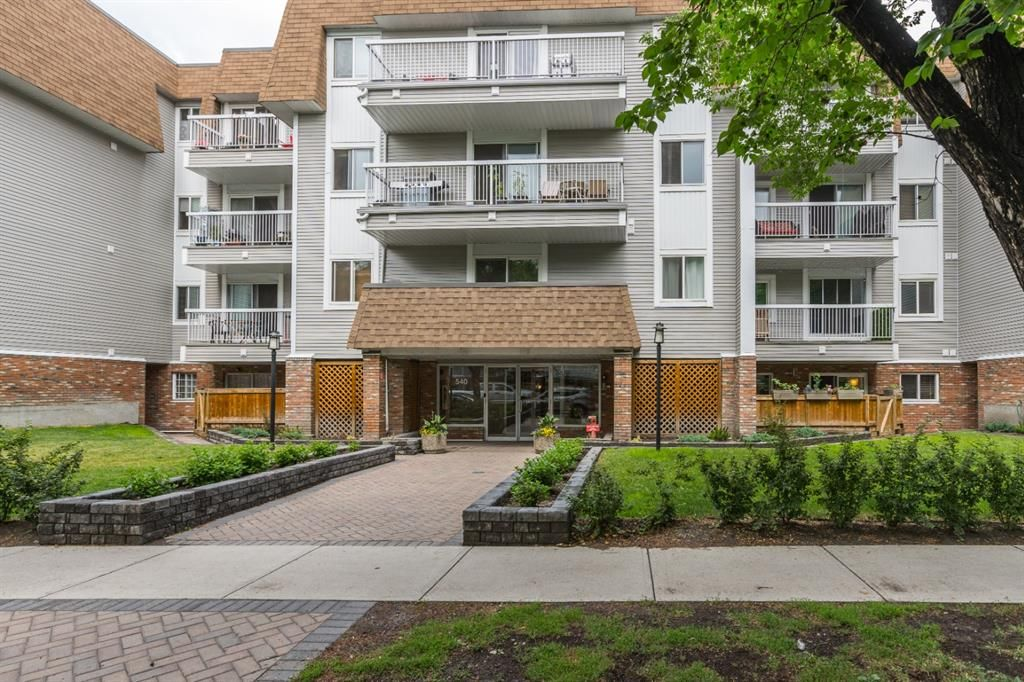 Main Photo: 208 540 18 Avenue SW in Calgary: Cliff Bungalow Apartment for sale : MLS®# A1124113