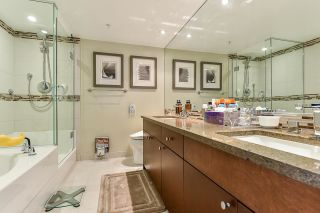 """Photo 25: 1902 1228 MARINASIDE Crescent in Vancouver: Yaletown Condo for sale in """"Crestmark II"""" (Vancouver West)  : MLS®# R2582919"""