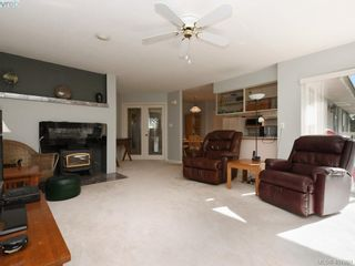 Photo 3: 1790 Fairfax Pl in NORTH SAANICH: NS Dean Park House for sale (North Saanich)  : MLS®# 810796