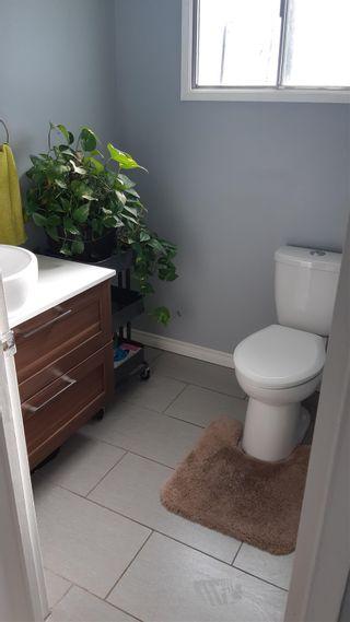 Photo 5: 813 MILLBOURNE Road E in Edmonton: Zone 29 House Half Duplex for sale : MLS®# E4252431