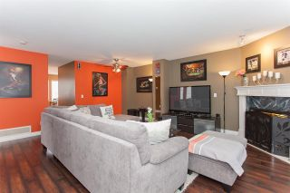 """Photo 3: 41 15450 101A Avenue in Surrey: Guildford Townhouse for sale in """"CANTERBURY"""" (North Surrey)  : MLS®# R2149046"""
