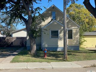 Photo 2: 65 13th Avenue Southeast in Swift Current: Residential for sale : MLS®# SK871477