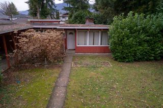 Photo 3: 326 W 19TH Street in North Vancouver: Central Lonsdale House for sale : MLS®# R2338404