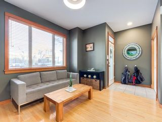 Photo 2: 2011 32 Avenue SW in Calgary: South Calgary Detached for sale : MLS®# A1060898