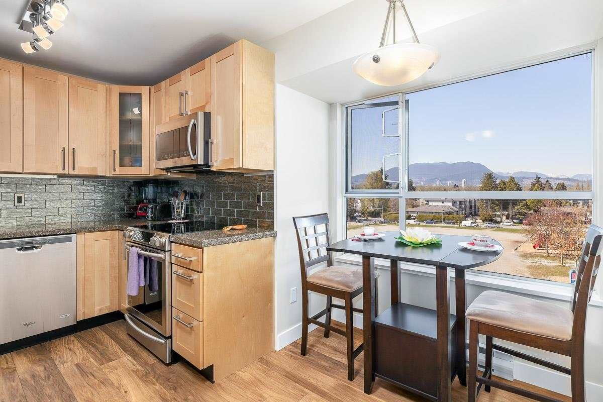 """Main Photo: 406 2285 PITT RIVER Road in Port Coquitlam: Central Pt Coquitlam Condo for sale in """"SHAUGHNESSY MANOR"""" : MLS®# R2577002"""