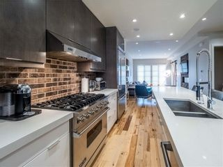 Photo 4: 2005 43 Avenue SW in Calgary: Altadore Detached for sale : MLS®# A1037993