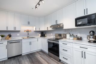 """Photo 11: 303 5909 177B Street in Surrey: Cloverdale BC Condo for sale in """"Carriage Court"""" (Cloverdale)  : MLS®# R2617763"""