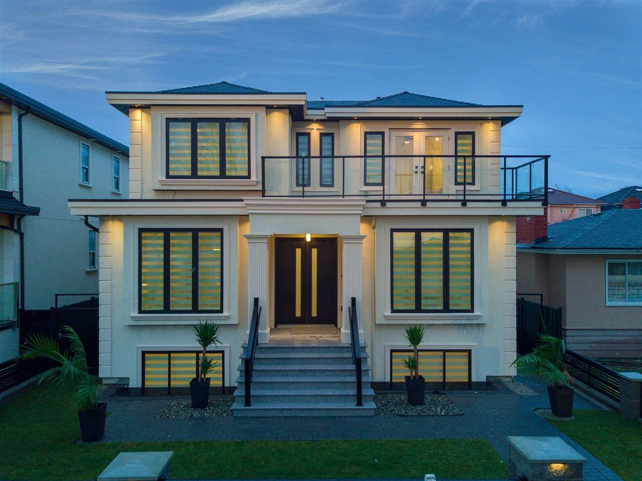 Main Photo: 1521 E 58TH AVENUE in Vancouver: Fraserview VE House for sale (Vancouver East)  : MLS®# R2234798