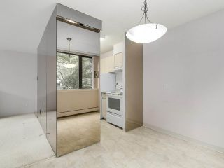 """Photo 6: 304 1740 COMOX Street in Vancouver: West End VW Condo for sale in """"The Sandpiper"""" (Vancouver West)  : MLS®# R2178648"""