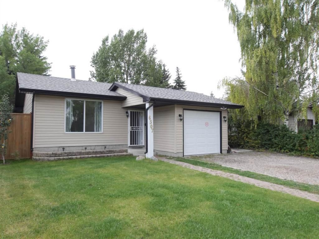 Main Photo: 6307 28 Avenue NE in Calgary: Pineridge Detached for sale : MLS®# A1098017