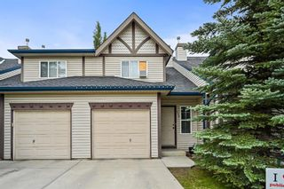 Main Photo: 410 Country Village Cape NE in Calgary: Country Hills Village Row/Townhouse for sale : MLS®# A1130992