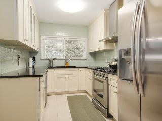 Photo 6: 77 DESSWOOD Place in West Vancouver: Glenmore House for sale : MLS®# V1090987