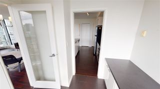 """Photo 9: 2203 111 W GEORGIA Street in Vancouver: Downtown VW Condo for sale in """"SPECTRUM ONE"""" (Vancouver West)  : MLS®# R2591471"""