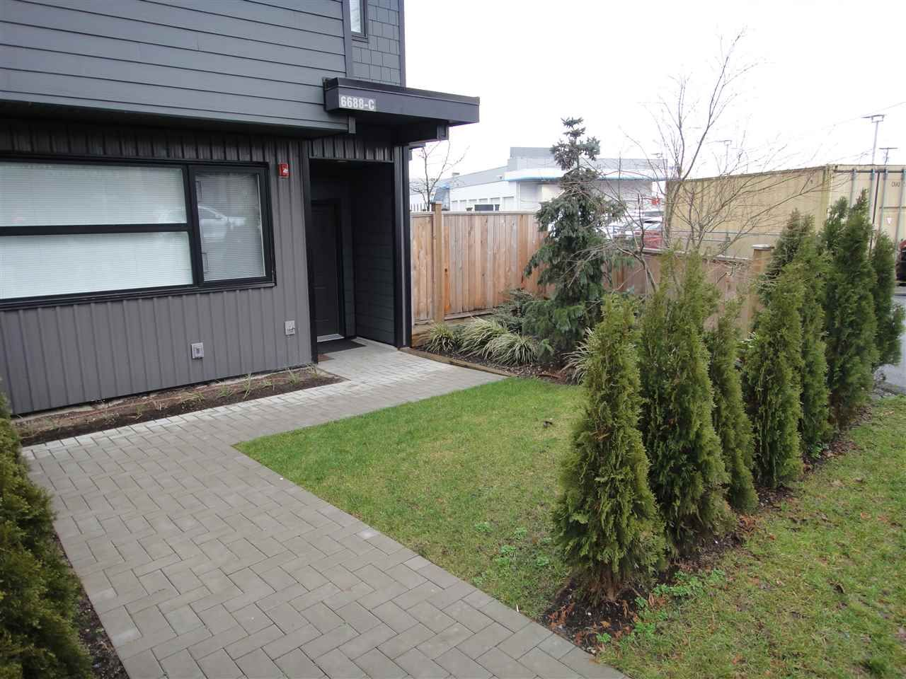 """Photo 2: Photos: C 6688 DUFFERIN Avenue in Burnaby: Upper Deer Lake Townhouse for sale in """"DUFFERIN EIGHT TOWNHOMES"""" (Burnaby South)  : MLS®# R2027335"""