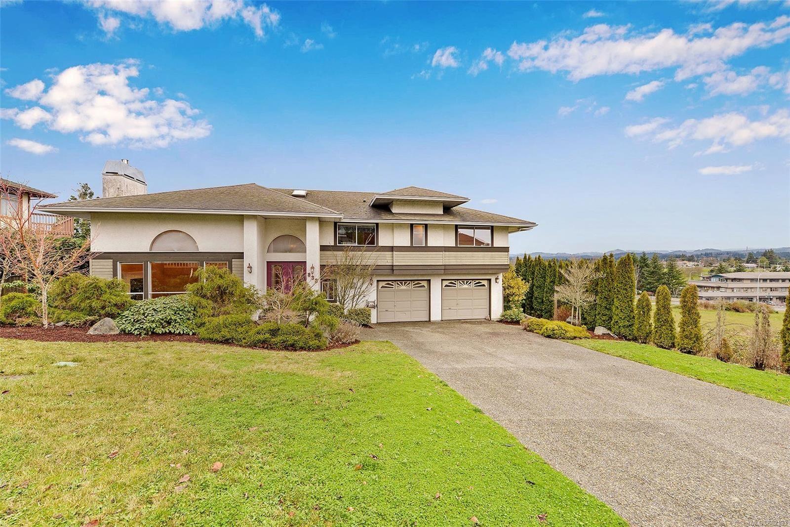Main Photo: 833 Maltwood Terr in : SE Broadmead House for sale (Saanich East)  : MLS®# 862193