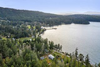 Photo 1: 384 GEORGINA POINT Road: Mayne Island House for sale (Islands-Van. & Gulf)  : MLS®# R2524318