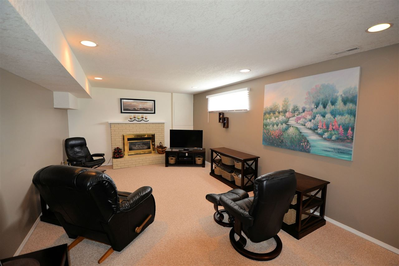 """Photo 13: Photos: 974 INEZ Crescent in Prince George: Lakewood House for sale in """"LAKEWOOD"""" (PG City West (Zone 71))  : MLS®# R2154434"""