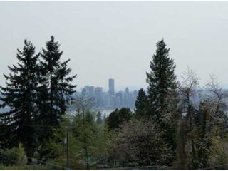 """Photo 2: # 205 121 W 29TH ST in North Vancouver: Upper Lonsdale Condo for sale in """"Somerset Green"""" : MLS®# V887382"""