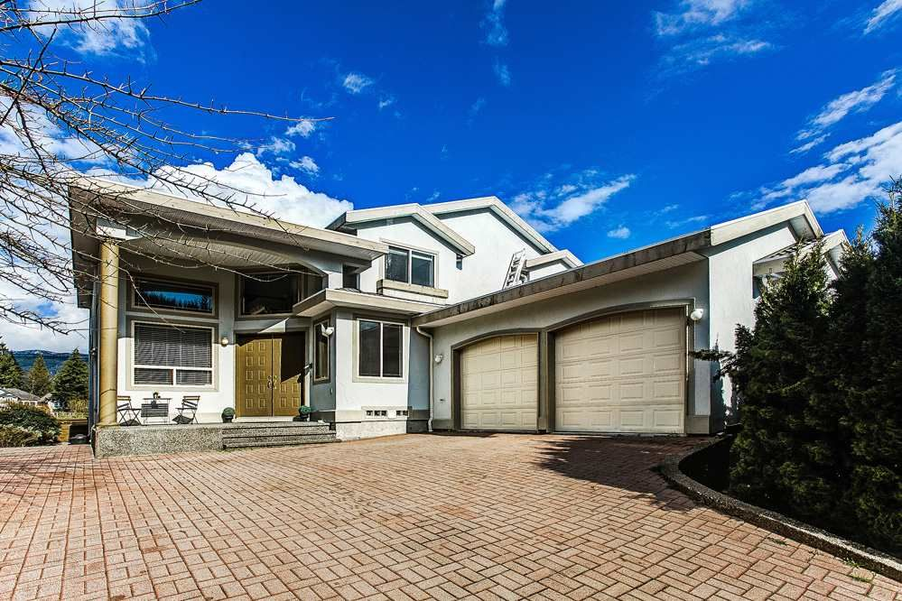 Main Photo: 3267 PLATEAU Boulevard in Coquitlam: Westwood Plateau House for sale : MLS®# R2157487