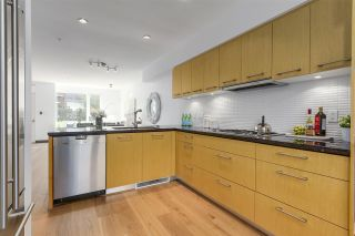 """Photo 9: 214 1961 COLLINGWOOD Street in Vancouver: Kitsilano Townhouse for sale in """"VIRIDIAN GREEN"""" (Vancouver West)  : MLS®# R2205025"""