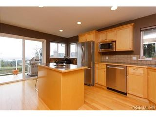 Photo 4: 808 Bexhill Pl in VICTORIA: Co Triangle House for sale (Colwood)  : MLS®# 628092