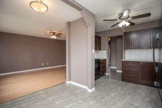 Photo 4: 18 George Crescent: Red Deer Semi Detached for sale : MLS®# A1116141