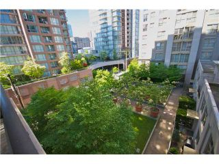 """Photo 1: 605 989 RICHARDS Street in Vancouver: Downtown VW Condo for sale in """"THE MONDRIAN"""" (Vancouver West)  : MLS®# V833931"""