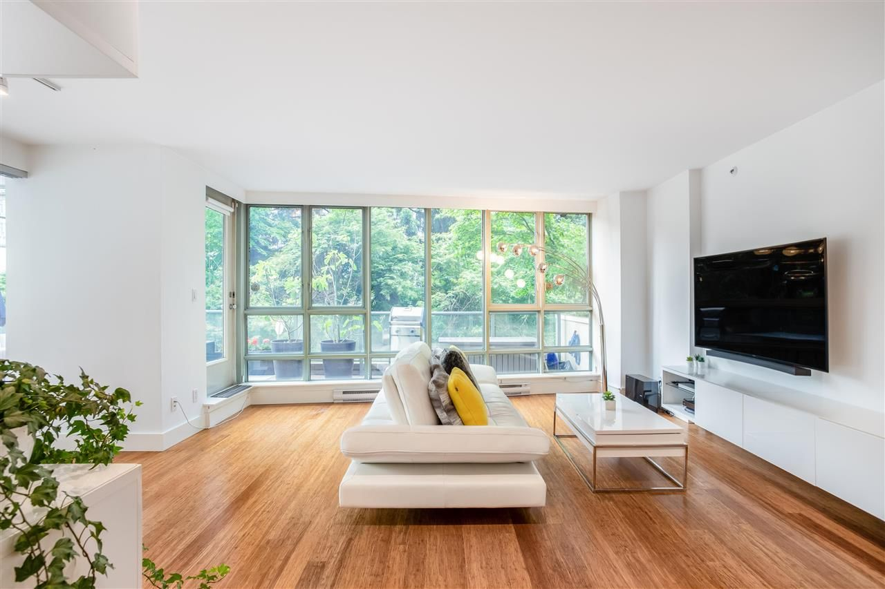 """Main Photo: 301 930 CAMBIE Street in Vancouver: Yaletown Condo for sale in """"PACIFIC PLACE LANDMARK II"""" (Vancouver West)  : MLS®# R2592533"""