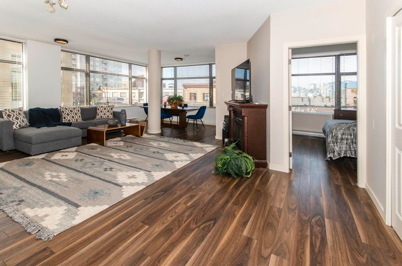 FEATURED LISTING: 206 - 1068 BROADWAY West Vancouver