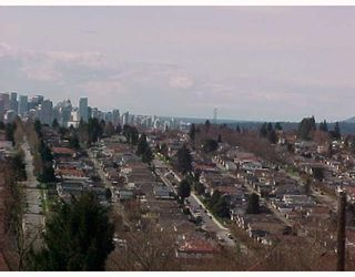 Photo 3: 4 DELTA Ave in Burnaby: Capitol Hill BN Duplex for sale (Burnaby North)  : MLS®# V632612