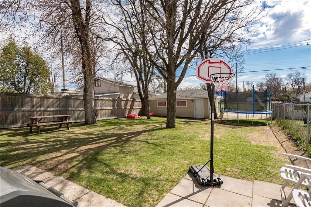 Photo 23: Photos: 292 Renfrew Street in Winnipeg: Residential for sale (1C)  : MLS®# 202010830
