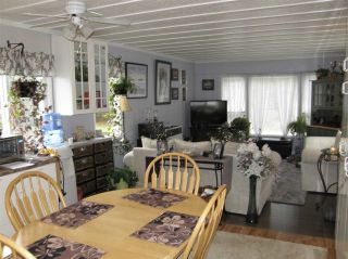 Photo 3: 12 62010 FLOOD HOPE Road in Hope: Hope Center Manufactured Home for sale : MLS®# R2556041