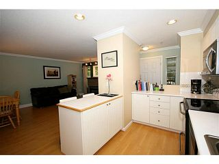 """Photo 7: 111 1702 56TH Street in Tsawwassen: Beach Grove Townhouse for sale in """"THE PILLERS"""" : MLS®# V1017909"""