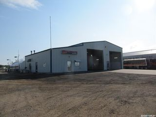 Photo 1: 10002 Thatcher Avenue in North Battleford: Parsons Industrial Park Commercial for sale : MLS®# SK867650