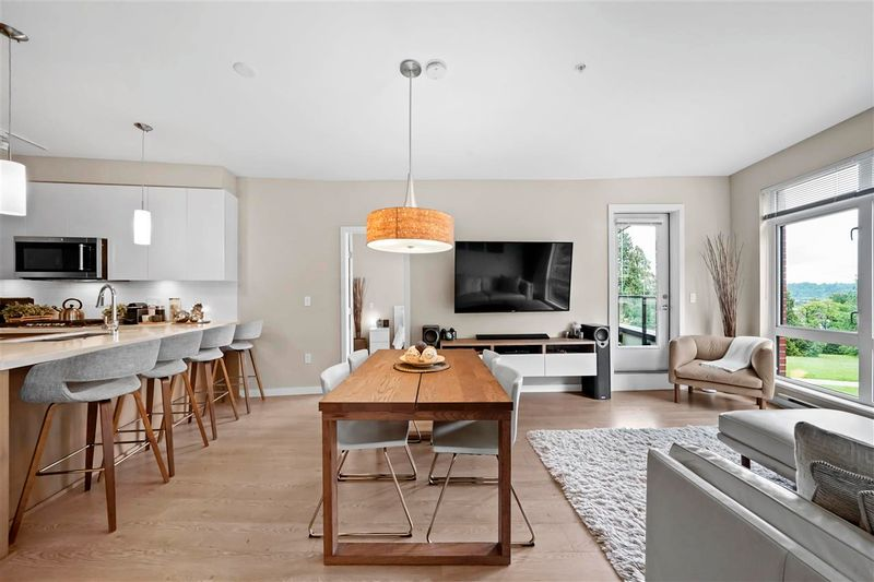 FEATURED LISTING: 303 - 20 ROYAL Avenue East New Westminster