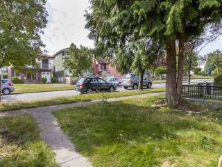 Photo 9: 3123 E 4TH Avenue in Vancouver: Renfrew VE House for sale (Vancouver East)  : MLS®# R2106855