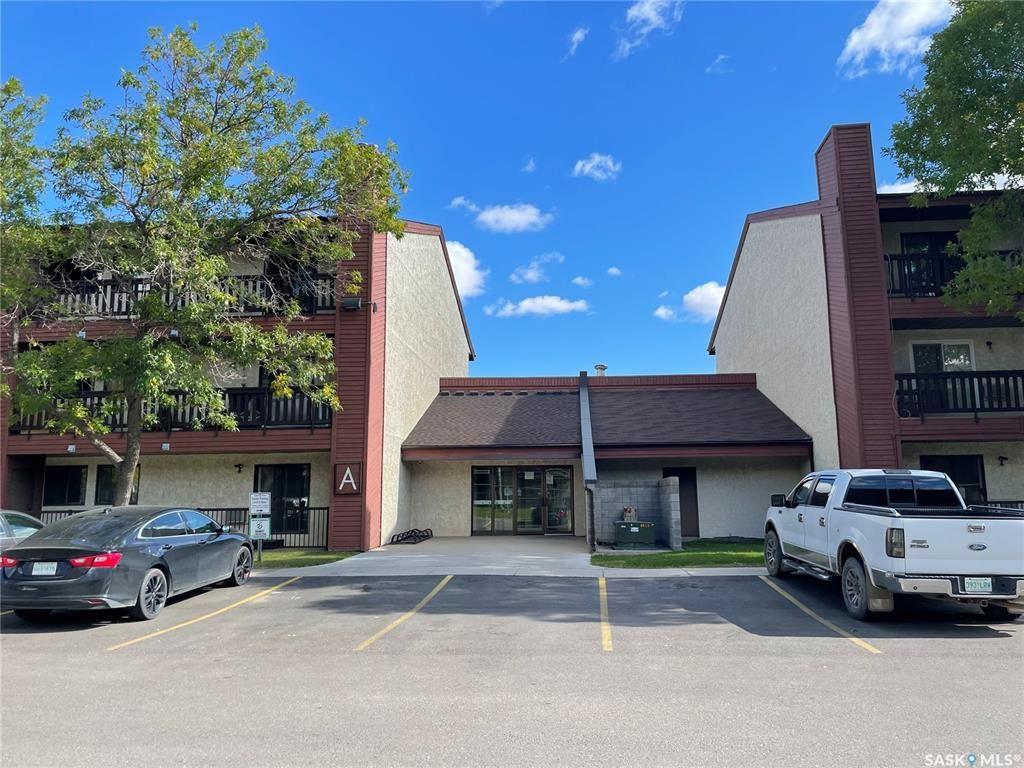 Main Photo: 101A 4040 8th Street East in Saskatoon: Wildwood Residential for sale : MLS®# SK872525