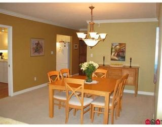 Photo 2: 201 1725 128th Street in Ocean Park Gardens: Home for sale : MLS®# F2727790