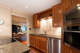 Photo 6: #203 - 2471 Bellevue Ave in West Vancouver: Dundarave Condo for sale : MLS®# R2437143